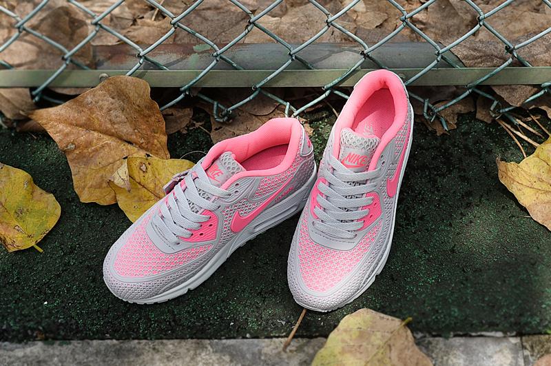 fa0e410b Женские кроссовки, конечно, никак не могут быть просто спортивной обувью.  Они дают дополнительную возможность классно выглядеть, хотя основное  назначение у ...