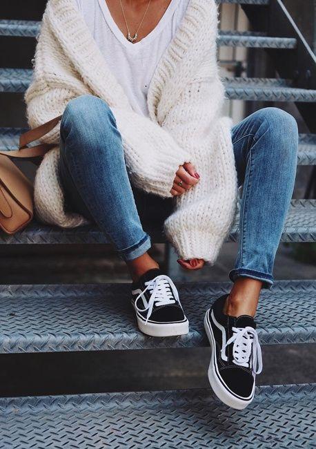 e4fac15c5394 Распространённая ошибка многих мам и пап – покупать детскую обувь без  примерки. Конечно, не всегда можно взять ребёнка с собой, тем более, ...