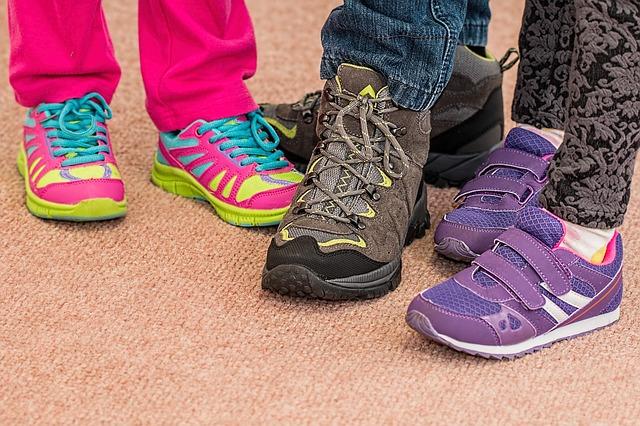 ac30e9c0b586 Вы же не станете просить примерить и купить для вас туфли кого-то из  друзей  То же самое относится и к покупкам для детей.